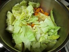 残りの野菜を入れる